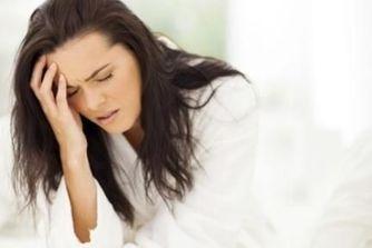 Suites de couches : les symptômes anormaux après la grossesse