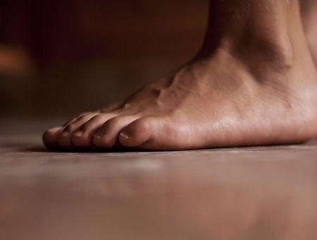 """Covid-19 : une étude en dit plus sur le symptôme de """"l'orteil covid"""""""