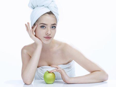 La pomothérapie : la pomme à même la peau