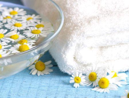 L'eau florale de camomille, l'hydrolat douceur