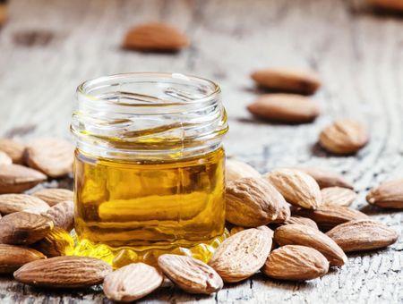 L'huile d'amande douce, nourrissante et fortifiante