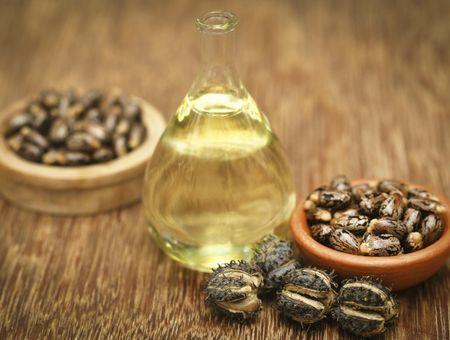 L'huile de ricin pour fortifier ses ongles et ses cheveux !