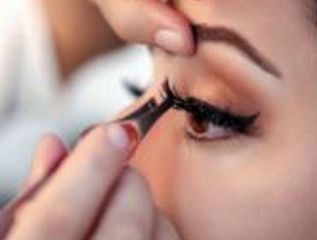 Leçon de maquillage