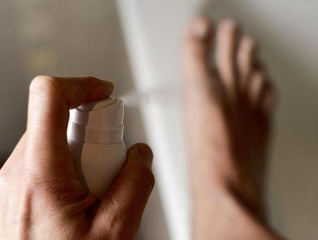 Transpiration des pieds : quelles solutions ?