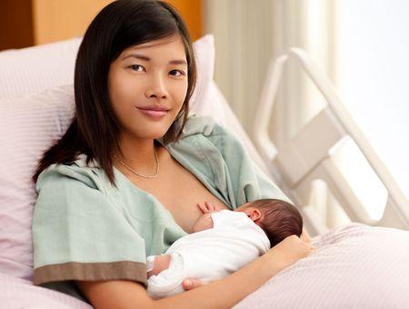 L'alimentation du bébé à la naissance