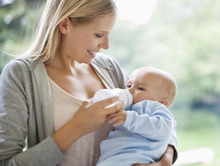 Choisir le bon lait pour bébé