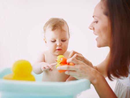 Comment nettoyer les jouets de bain ?