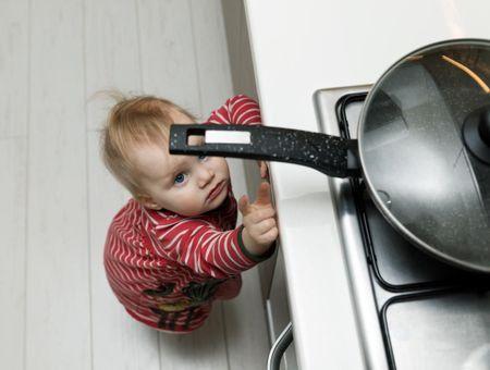 Accidents domestiques : quelles précautions prendre pour bébé ?