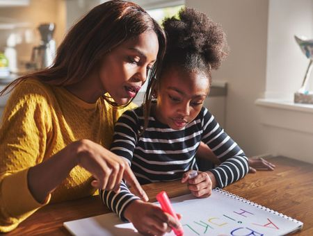 Instruction en famille, unschooling : cet enseignement alternatif qui tente de plus en plus de parents