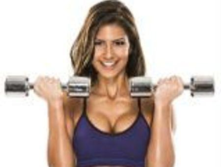 Exercices et astuces pour des seins au top