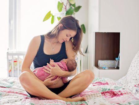 Comment se passe une sortie précoce de la maternité ?