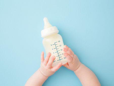 Les nourrissons de moins d'1 an ne doivent pas consommer de boissons végétales non règlementaires