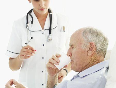 Ecraser les médicaments, une pratique potentiellement dangereuse