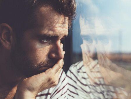Dépression : les pères en souffrance devraient consulter pour préserver leurs ados