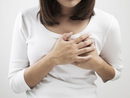 Les mastodynies : ce qu'il faut savoir sur les douleurs du sein