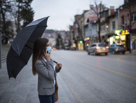 Masque et pluie : comment faire ?