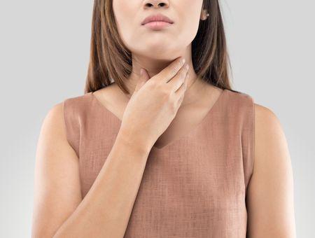 Angines : rouge ou blanches, durée, causes, contagion et traitements