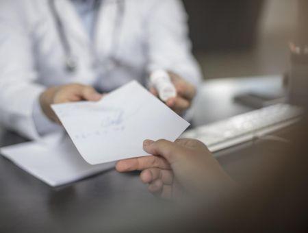Les nouveaux anticoagulants oraux (NACO) : indications et effets secondaires