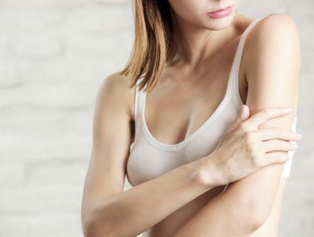 La kératose pilaire : symptômes et traitements