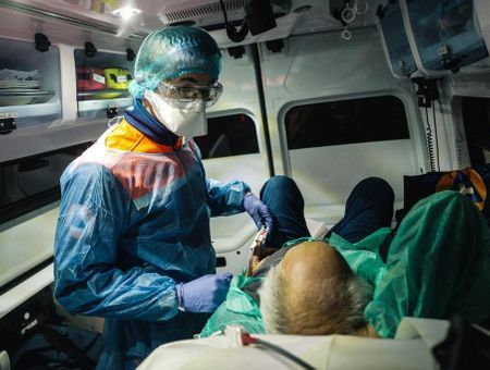 Coronavirus : 357 morts de plus en France en 24h, chiffre le plus bas depuis une semaine