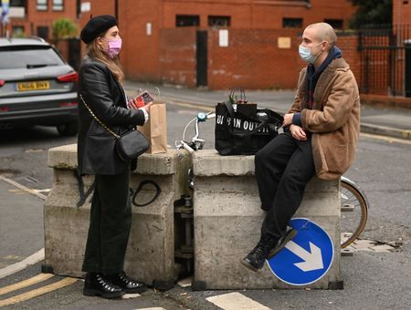 Coronavirus : des chercheurs britanniques comptent infecter des volontaires