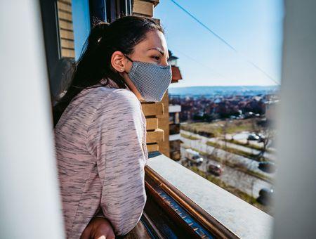 Coronavirus : faut-il ouvrir la porte au masque à la maison ?