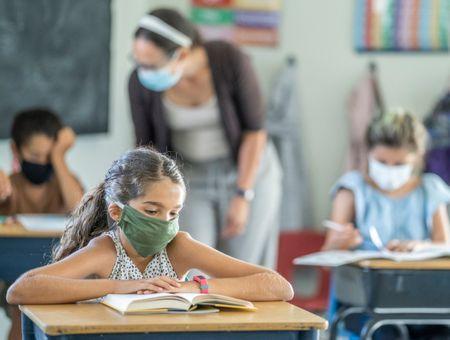 Coronavirus : peu de cas en milieu scolaire, mais les enfants aussi touchés que les profs