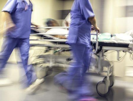 Coronavirus : premier décès d'un médecin hospitalier en France