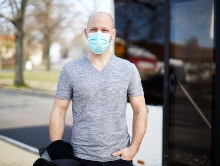 Covid-19 : 71% de Français redoutent de devoir porter un masque en cas de canicule