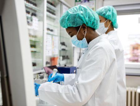 Covid-19 : Pfizer teste un nouveau médicament