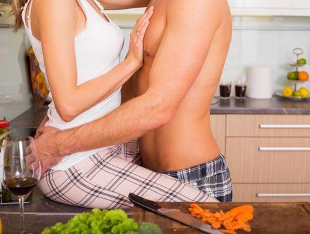 Une étude suggère que le Covid-19 ne serait pas sexuellement transmissible