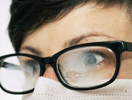 La buée sur les lunettes, bientôt un mauvais souvenir ?