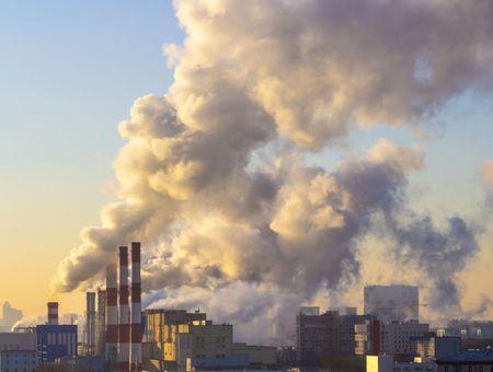 """La pandémie réduit la pollution de l'air mais a """"peu d'effet"""" sur le climat"""