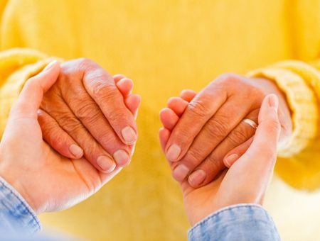 Maladie de Parkinson : des contacts et des sites utiles