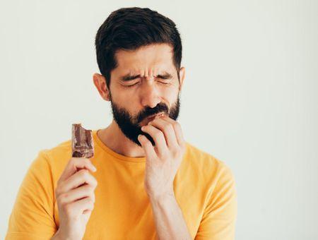 Le déchaussement dentaire : quand les dents bougent