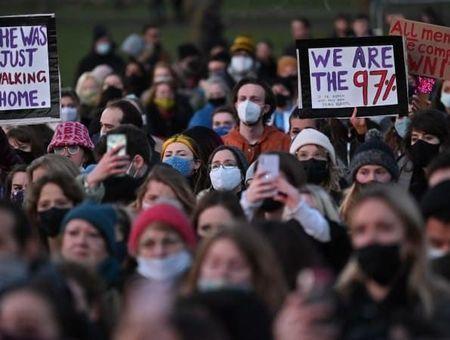 """Comment la mort de Sarah Everard a lancé le mouvement des """"97%"""" sur TikTok ?"""