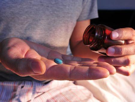 Cialis, Viagra… N'achetez pas en ligne !