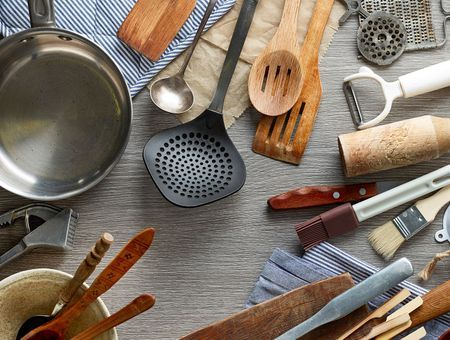Inox, fonte, alu, cuivre, silicone… Comment bien choisir ses accessoires de cuisine ?