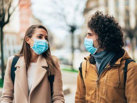 Le coronavirus fait plus de victimes masculines que féminines