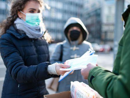 40 millions de masques distribués gratuitement à sept millions de Français