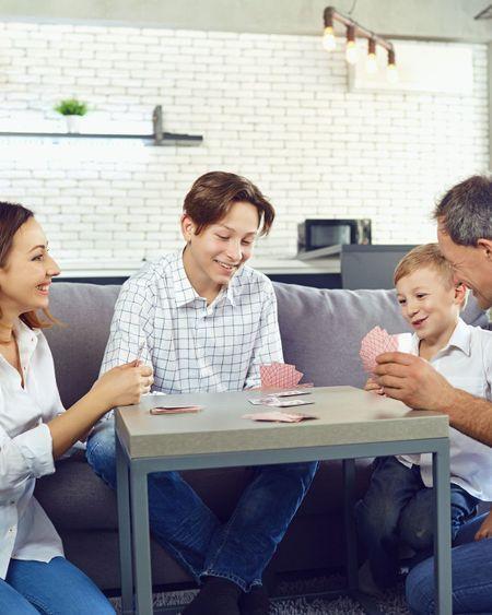 Confinement : notre sélection de jeux et activités à faire à la maison avec ses enfants