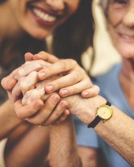 Comment prendre soin des personnes âgées pendant l'épidémie de Coronavirus ?