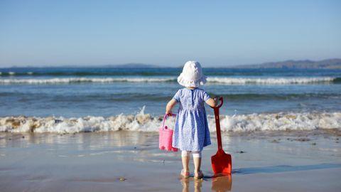 10-idees-pour-occuper-enfant-a-la-plage