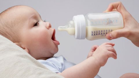 Sein ou biberon ? L'allaitement en question !