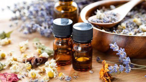 10 huiles essentielles pour apaiser les émotions débordantes