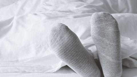 10 objets à bannir de la chambre pour sauver votre vie sexuelle