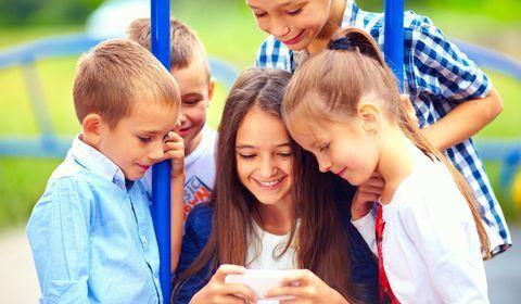 Apprenez à vos enfants à bien utiliser les réseaux sociaux