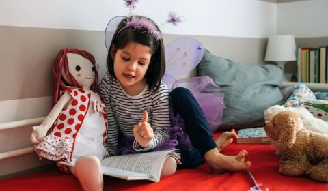 Les bénéfices du jeu à la poupée pour le développement de l'enfant