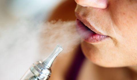 Covid-19 : les fumeurs de cigarettes électroniques seraient plus à risque