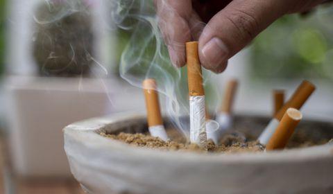 Covid-19 : l'étude qui démontrait que les fumeurs étaient protégés est dépubliée